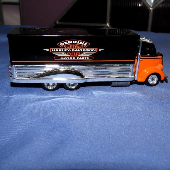 Harley Davidson 1933 Ford C.O.E. Hotwheel